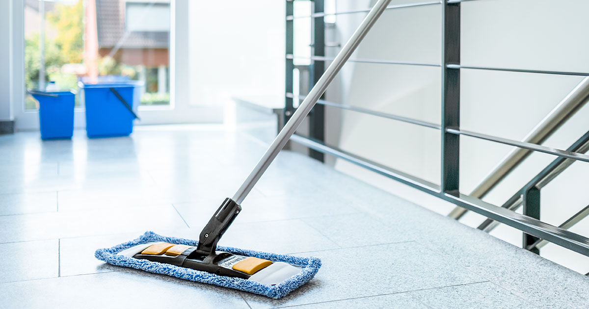 pulizia delle scale condominiali